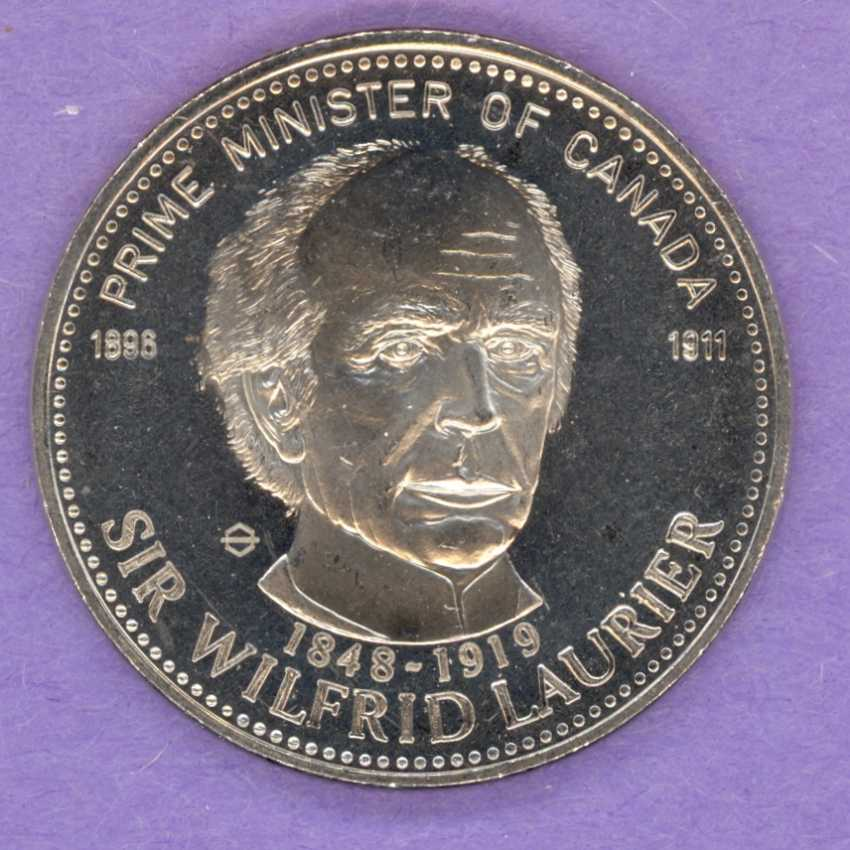 1981 Smiths Falls Ontario Trade Token or Dollar Laurier Prime Minister NICKEL